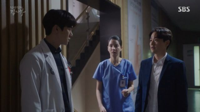 Dong-joo discovers Dr. Moon has been cheating on Seo-jeong