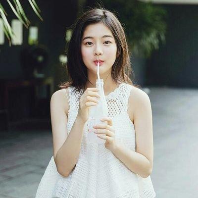 Actress Sin Eun-soo's Heart flutters