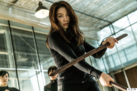 """The Villainess"" Kim Ok-bin Swinging Her Swords"