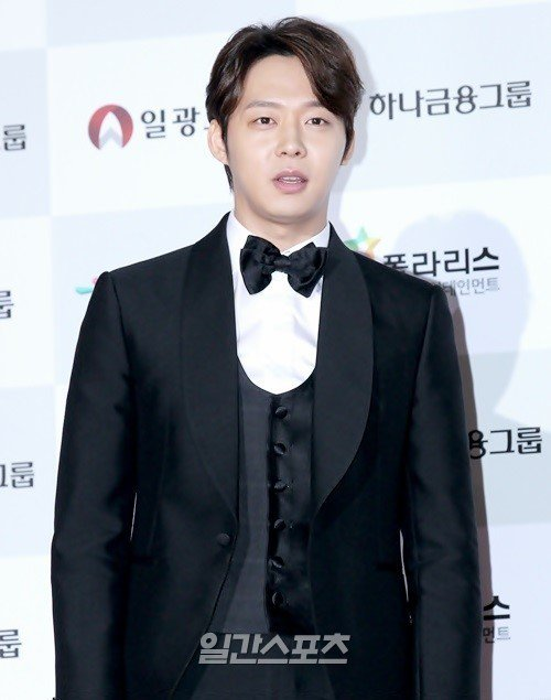 [Photos] Park Yoo-chun's fiance Hwang Hana's presents from friends