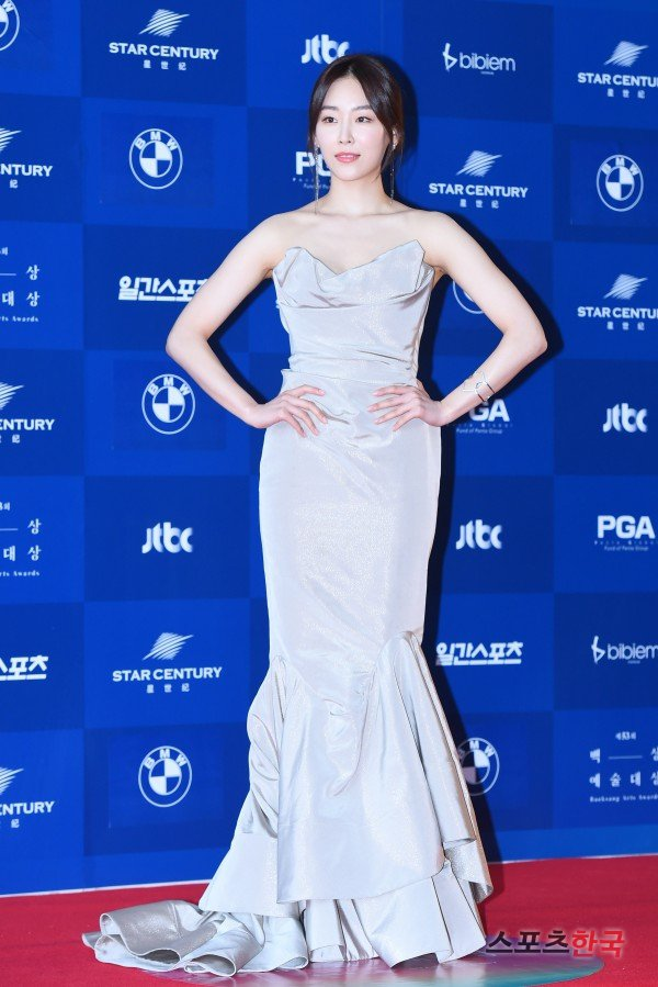 [Photos] 53rd Baeksang Arts Awards 2017 Red Carpet : Korean Actresses