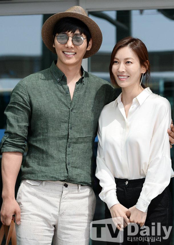 [Photos] Lee Sang-woo and Kim So-yeon at the airport