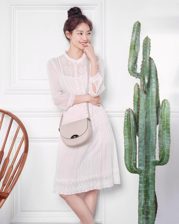 [Photos] Shin Min-a's summer fashion