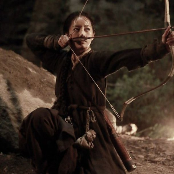 """Mulgae"" Hyeri in hair ribbon and bow and arrow"
