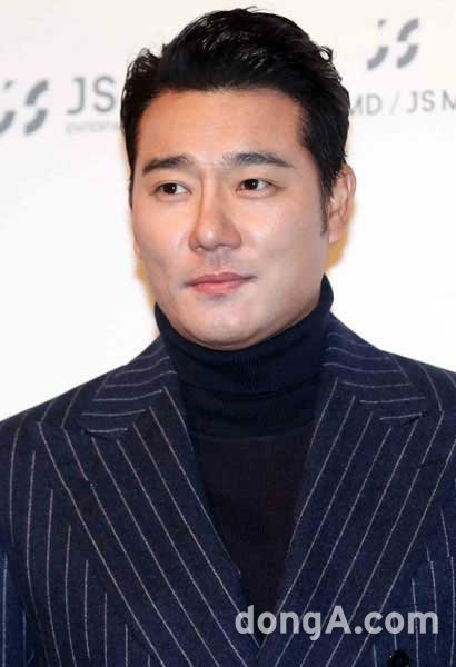 Lee Tae-gon claims 30 million won in damages