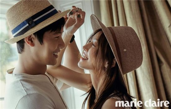 Kim So-yeon and Lee Sang-woo's romantic shots