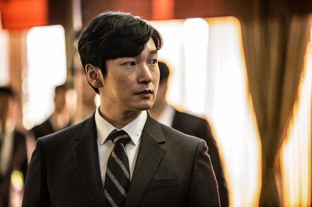 "[Photos + Video] Added first stills and new trailer for the upcoming Korean drama ""Secret Forest"""