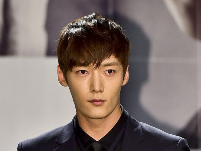 [Hot Takes from the Noonas] Choi Jin-hyuk offered lead in