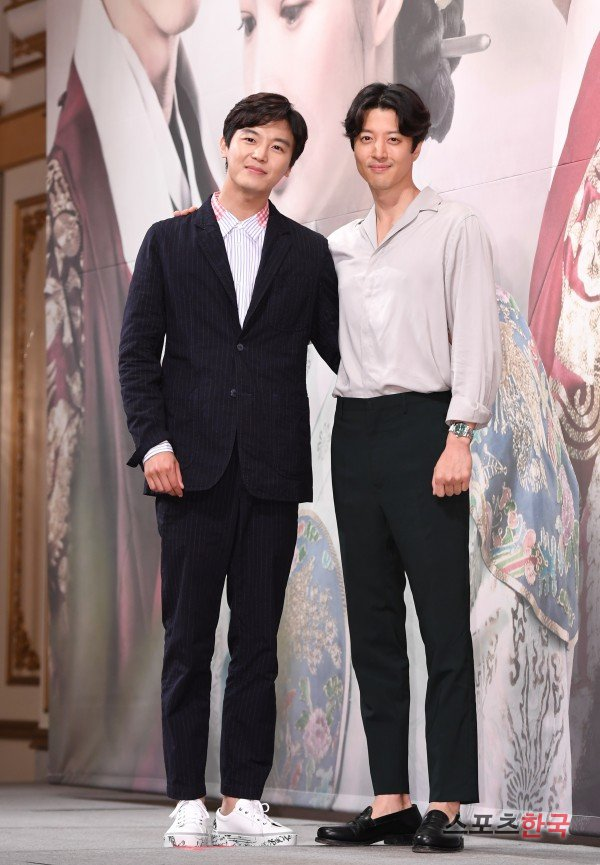 """Queen for 7 Days"" Lee Dong-geon and Yeon Woo-jin"