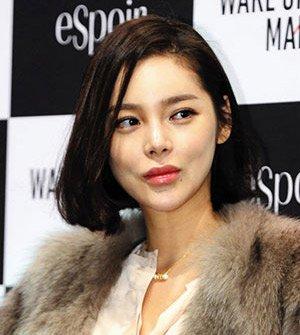 Actress Park Si-yeon to Promote Nonprofit Adoption Agency