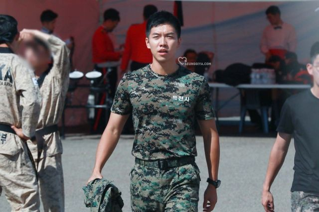 Off We Go! Last Pictures of Male Celebrities Before They Report to the Korean Army