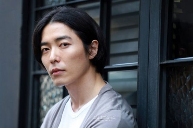 [Hot Takes from the Noonas] Kim Jae-wook may join Gong Yoo and Gong Hyo-jin's agency