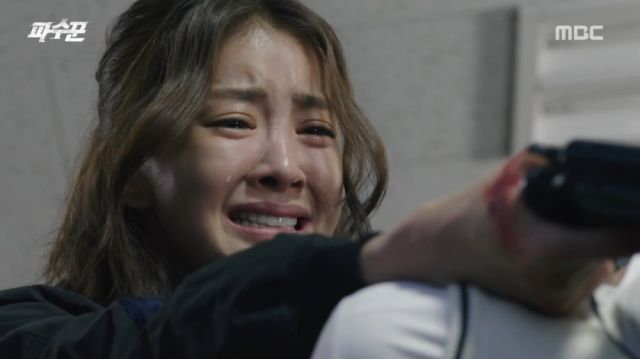 Soo-ji facing her daughter's killer