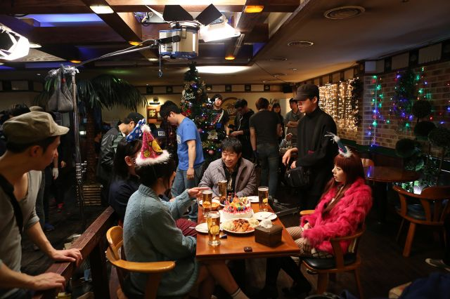 [Photos] Added new on-the-set images for the upcoming Korean movie