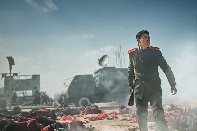 "[Photos] Added first stills and new on-the-set images for the upcoming Korean movie ""Steel Rain"""