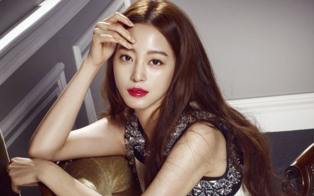 "[Hot Takes from the Noonas] Han Ye-seul up for ""No Sex and the City"""