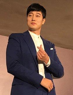 Actor So Ji-sub Donates Money to Help Children in Need