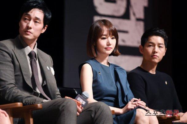 """The Battleship Island"" So Ji-sub, Song Joong-ki and Lee Jung-hyeon"