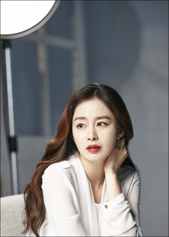 [Photos] Kim Tae-hee in see-through blouse