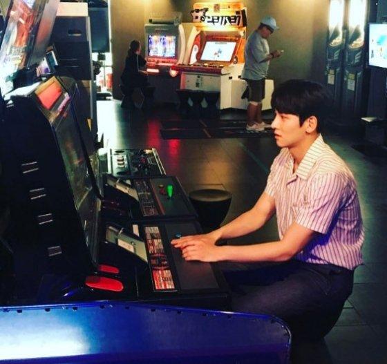 Ji Chang-wook loses at the arcade