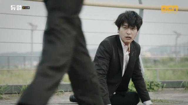 Seong-joon after Seong-hoon lets him go