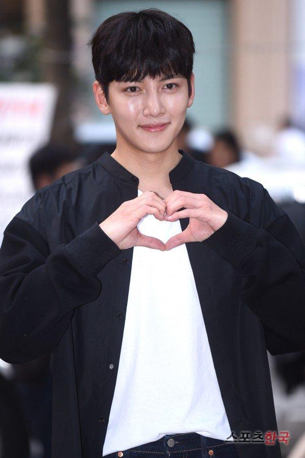 Ji Chang-wook's heart @ HanCinema :: The Korean Movie and