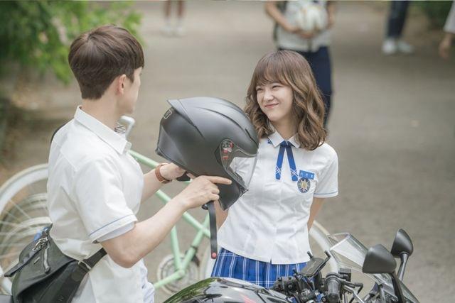 Eun-ho and a classmate