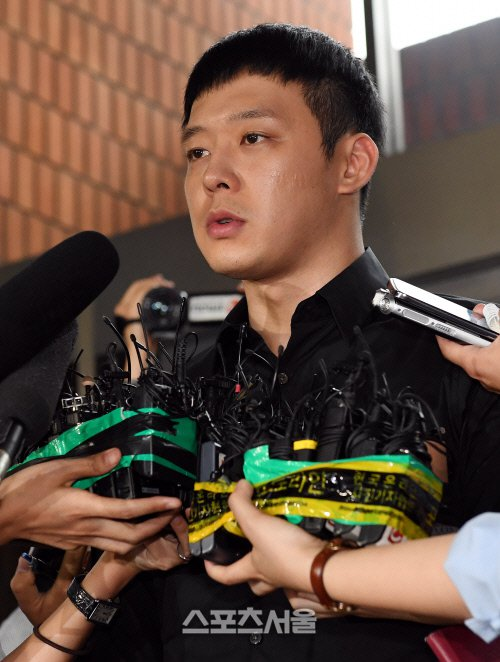 Park Yoo-chun apologizes but will the public take him back?