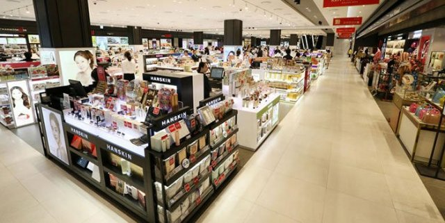 Dark Times for Duty-Free Shops as Chinese Stay Away