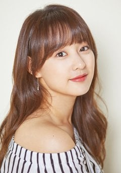Kim Ji-won-I Looks Forward to New Challenge in Upcoming Project