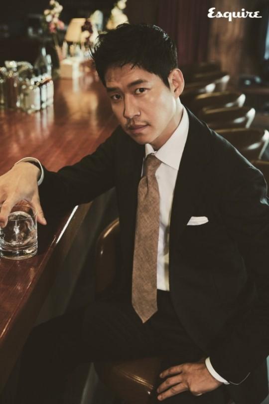 Yoo Joon-sang in a Dandy Suit, a Sensual Gentleman