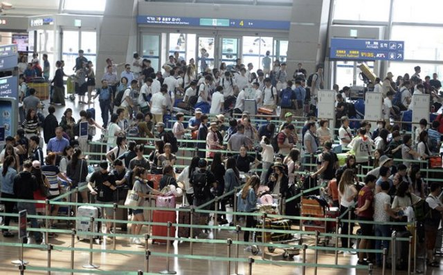 Incheon Airport Sees Record Travelers Amid Peak Vacation Season