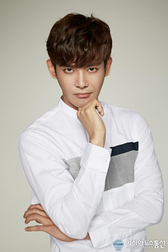 Rookie actor Ryoo Joo-han joins