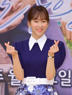 Seo Hyun-jin Set to Appear in Another Romantic Comedy