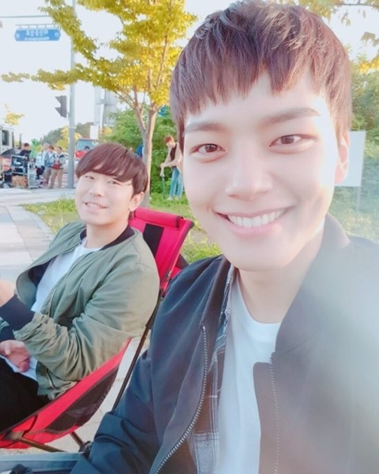 """""""Reunited Worlds"""" Yeo Jin-goo urges fans to watch"""