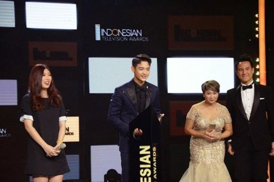 SHINee's Minho gets special award at the 2017 Indonesian TV Awards