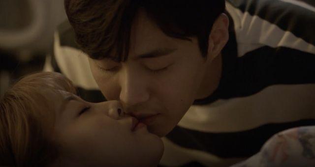 [Video] Added Korean drama 'Strongest Deliveryman' episode 15