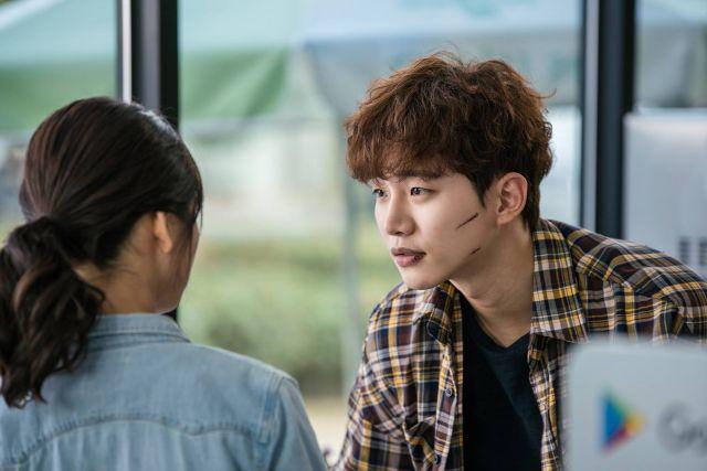 "[Photos] Intense Junho in first stills for Korean drama ""Just Lovers"""