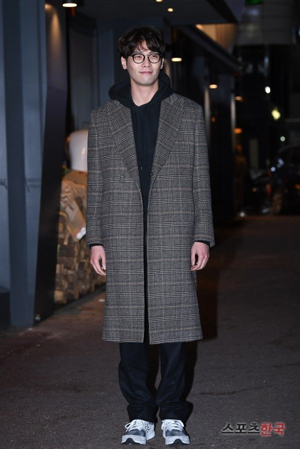 Choi Daniel Attends Wrap Up Party For Jugglers At Hancinema The