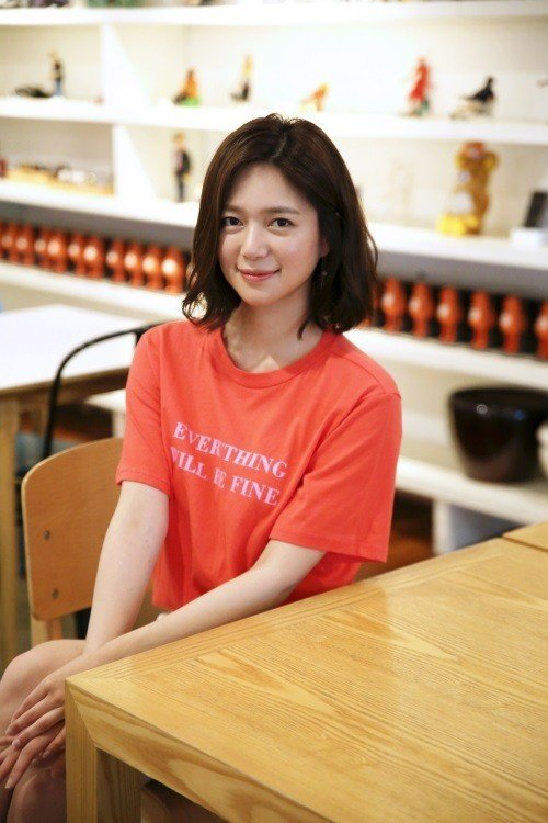 Lee Elijah ̝´ì—˜ë¦¬ì•¼ Picture Hancinema The Korean Movie And Drama Database They present serious relationship involved in job and moral dilemmas. the korean movie and drama database