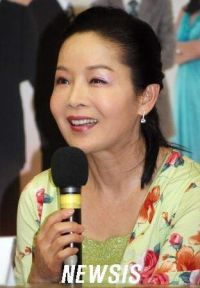 Lee Hyo-choon (이효춘)