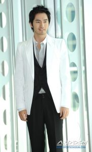 Lee Jin-wook (이진욱)