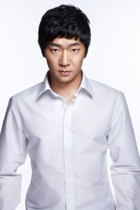 Song Yong-jin (송용진)