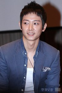 Lee Jung-hyuk (이정혁)