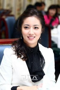Choi Song-hyeon (최송현)